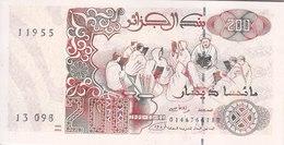 ALGERIA 200 DINARS 1992 P-138 UNC */* - Algeria