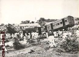 OLD PHOTO : INDE INDIA ACCIDENT DE TRAIN SECUNDERABAD HAIDERABAD 112 MORTS FAITS DIVERS LOCOMOTIVE - India
