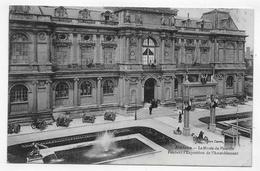 (RECTO / VERSO) AMIENS EN 1919 - LE MUSEE DE PICARDIE - EXPOSITION DE L' AMEUBLEMENT - CPA VOYAGEE - Amiens