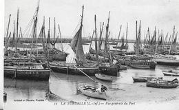 La Turballe. Vue Générale Du Port Et De Sa Flotille De Pêche. - La Turballe