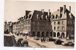 MORTAIN--1958--Place Des Arcades  (animée , Voitures Dont Citroen Traction,commerces )--timbre--cachet......... à Saisir - Frankreich