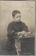 CPA - FANTAISIE - Jeune Garçon Qui Pose - La Lecture - Edition M.A. - Portraits