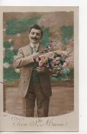CPA.Fantaisie.Hommes.Vive Ste Marie.Homme à Moustache Avec Bouquet Fleurs 1946 - Männer