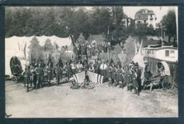 16234 Cirque Knie à Lausanne (????) - Troupe De Cow-boys Et Peaux-rouges - Roulottes - Cirque