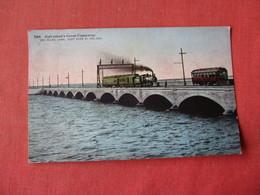 Texas > Galveston  Train On Great Causeway  Ref 3163 - Galveston
