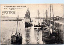 50 - SAINT VAAST La HOUGUE -- Le Port Et Barques Rentrant - Saint Vaast La Hougue