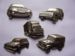 5 Big Pin S Automobile Camion Relief Tirage Tous 300 Exemplaires 2 Attaches Metal Lourd Neuf - Badges