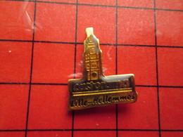 513J  Pins Pin's / Rare & De Belle Qualité  THEME : MARQUES / CASTORAMA LILLE HELLEMMES On Y Vend Des Haches ? - Marques
