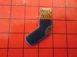 411G  Pins Pin's / Rare & De Belle Qualité  THEME : MARQUES / NAF-NAF CHAUSSETTE ORPHELINE - Marcas Registradas