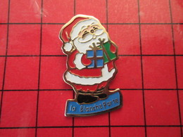 713F Pins Pin's / Rare & De Belle Qualité  THEME : NOEL / PERE NOEL DE LA BLANCHE PORTE - Christmas