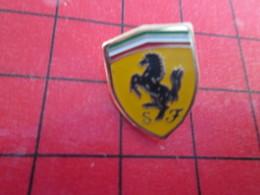113A Pins Pin's / Rare & De Belle Qualité  THEME : AUTOMOBILES / LOGO DE LA MARQUE FERRARI CHEVAL CABRE - Ferrari