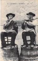FOLKLORE Musique ( Bretagne ) 56 - QUIBERON : Les Binious ( Bon Plan ) CPA - Morbihan - Musique