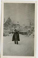 Jeune Homme Man Cape Chapeau Neige Snow Romantic Romantisme Flocon Romantique Abstract Etrange Surreal Ghost - Personnes Anonymes