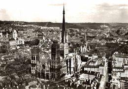 EN AVION AU DESSUS DE  ROUEN  LA CATHÉDRALE - Rouen