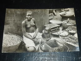 DAHOMEY, JEUNE MARCHANDE à PORTO NOVO - DAHOMEY (AD) - Dahomey