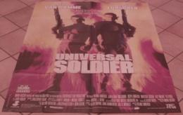 AFFICHE CINEMA ORIGINALE FILM UNIVERSAL SOLDIER Jean-Claude VAN DAMME Dolph LUNDGREN KARATE 1992 TBE - Affiches & Posters