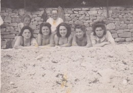 Photo Anonyme Vintage Snapshot Femme Plage Beach Sable Sand - Personnes Anonymes