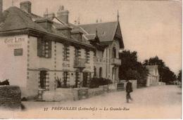 Cpa 44 PREFAILLES  La Grande-Rue , Café LERAY - Préfailles