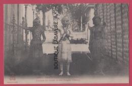 ASIE---CAMBODGE--PHNOM-PENH---Combat Du Geant Et Des Singes--Danse--animé - Cambodia