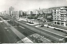 N°70097 -cpsm Le Havre -l'avenue Foch Et Square St Roch- - Le Havre