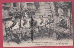 ASIE---CAMBODGE--PHNOM-PENH--Les Six Favorites De Sa Majesté Sisowath---animé - Cambodge