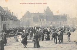 Besançon     25       Le Marché Sur Les Remparts        (Voir Scan) - Besancon