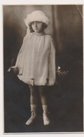 REAL PHOTO  - CUTE GIRL KID Fillette Vintage Photo - Personnes Anonymes