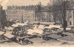 Besançon     25       Jour De Foire Place De La Révolution   . Défaut     (Voir Scan) - Besancon