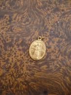 Sint Aldegonde Tot Mespelaer Medaille - Personnages