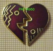 CENTRE COMMERCIAL ROSNY 2 COEUR PUZZLE De 2 Pin's En Version EGF - Villes
