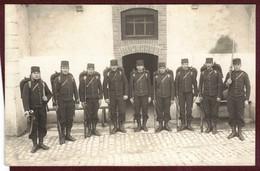 Carte Photo Militaire 9 Eme Régiment  Infanterie Pontarlier  Groupe De 9 Militaires    PONTARLIER   Doubs  - 7 - - Guerre 1914-18