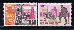 VNS - 375/376** - RECONSTRUCTION DE HUE - Viêt-Nam
