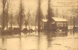 Besançon         25         Inondation De 1910. Ile Saint Paul       (Voir Scan) - Besancon