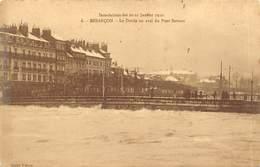 Besançon         25         Inondation De 1910. Le Doubs En Aval Du Pont Du Battant      (Voir Scan) - Besancon