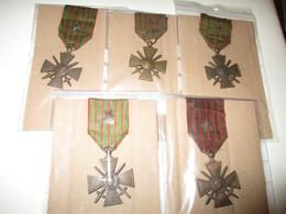 LOT DE 5 MEDAILLES N° 1 - Militaria