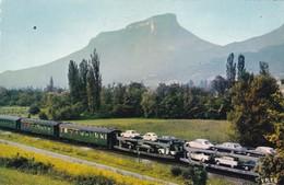 64. URRUGNE. PASSAGE DU TRAIN AUTOS COUCHETTES DEVANT LA RHUNE. ANNEE 1968 - France