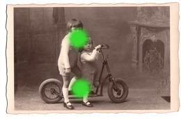 Enfant Sur Trottinette Carte Photo / Photo Montage - Scènes & Paysages