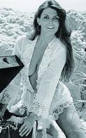 Caroline Munro  PHOTO POSTCARD  FILM STARS- - Mujeres Famosas