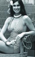 Caroline Munro  PHOTO POSTCARD  FILM STARS-6 - Mujeres Famosas