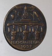 Badge De 1937 Du Reichparteitag - Allemagne - WWII - 1939-45