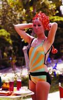 Claudine Auger PHOTO POSTCARD  FILM STARS-1 - Mujeres Famosas