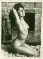 1970s VINTAGE RISQUE AMATEUR PHOTO -  NAKED WOMAN (478) - Bellezza Femminile Di Una Volta < 1941-1960