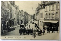 Provins - La Rue Du Val - Provins