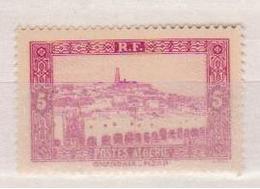 ALGERIE         N°  YVERT  :   104       NEUF AVEC  CHARNIERES      ( Ch 1/16  ) - Algérie (1924-1962)