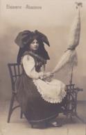 Elsässerin -- Alsacienne En Costume Folklorique -- Rouet - Coiffe -- Carte Photo - Costumes