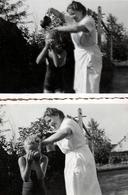 2 Photos Originales Douche Plein Air En Extérieur En 1944, Attention Les Yeux, Après Le Savonnage, Je Rince ! - Personnes Anonymes