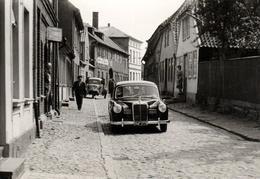 Photo Originale Mercedes Modèle 180 De 1957 & GOLIATH GD 750 1950 - Automobiles