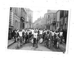Photo à Localiser : Défilé De Vélos - Lieux