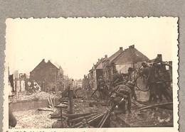 Oudenaarde Foto - 23.05.1940 - Duitsers Over De Vernielde Brug Ohiostraat ( Zie Achterkant) 8,5 Cm X 5,5 Cm - Oudenaarde