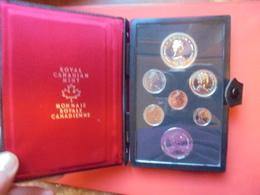 CANADA COFFRET 1952-1977 DONT 1$ ARGENT - Canada